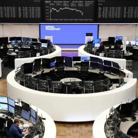 European shares flat, ends volatile September with losses